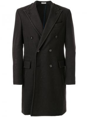 Двубортное пальто Boglioli. Цвет: коричневый
