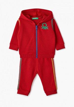 Костюм спортивный United Colors of Benetton. Цвет: красный