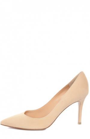 Замшевые туфли Classic на шпильке Gianvito Rossi. Цвет: бежевый