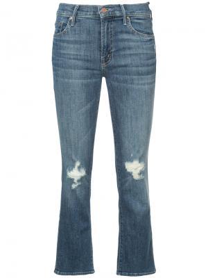Укороченные джинсы с потертыми деталями Mother. Цвет: синий