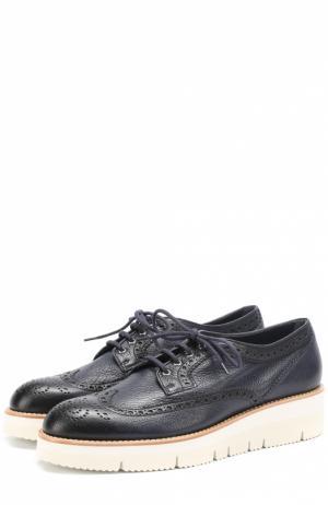 Кожаные ботинки с брогированием Santoni. Цвет: синий