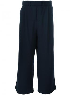 Укороченные брюки Lucio Vanotti. Цвет: синий