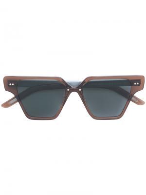 Солнцезащитные очки в футуристической оправе Delirious Eyewear. Цвет: коричневый