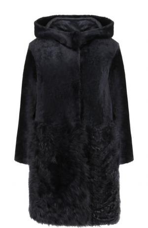 Меховое пальто из овчины DROMe. Цвет: темно-синий