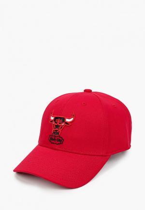 Бейсболка Mitchell & Ness. Цвет: красный