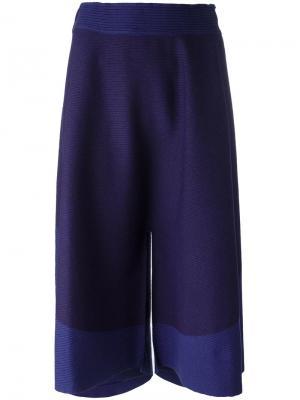 Укороченные брюки свободного кроя Issey Miyake. Цвет: розовый и фиолетовый