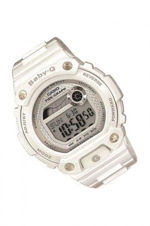 Наручные часы CASIO. Цвет: белый