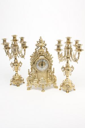 Набор: часы, подсвечник 2 шт. Stilars. Цвет: золотой